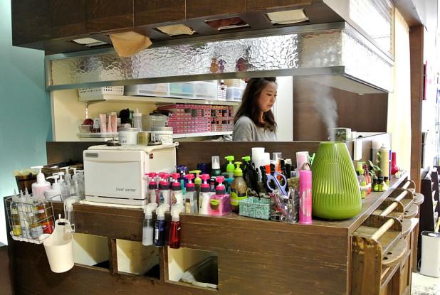 hair studio art 店内
